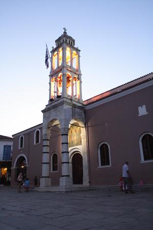 Μητροπολιτικός Ναός Τριών Ιεραρχών, Εκκλησίες & Μοναστήρια, wondergreece.gr