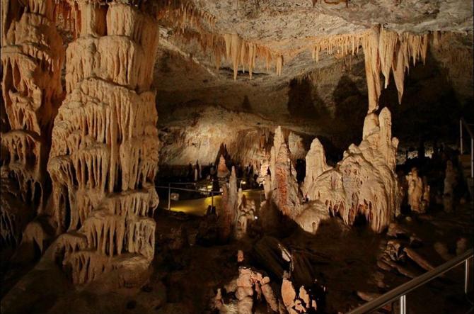 Κάψια, Σπηλιές, wondergreece.gr