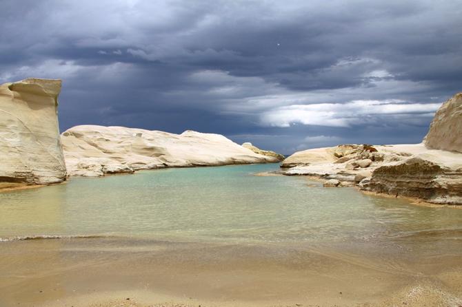 Sarakiniko, Beaches, wondergreece.gr