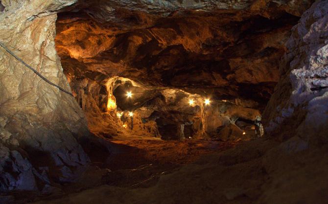 Σπήλαιο Μιλάτου, Σπηλιές, wondergreece.gr