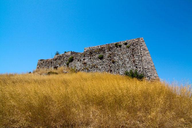 Κάστρο Αγ. Γεωργίου, Κάστρα, wondergreece.gr