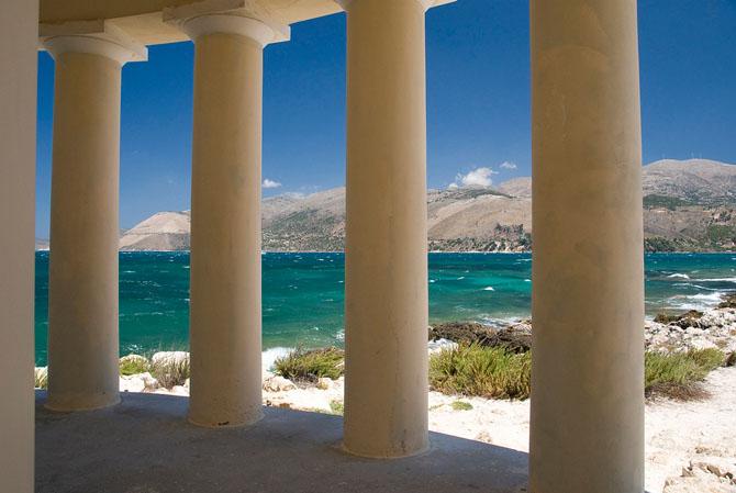 Φάρος Αγ. Θεοδώρων, Μνημεία & Αξιοθέατα, wondergreece.gr