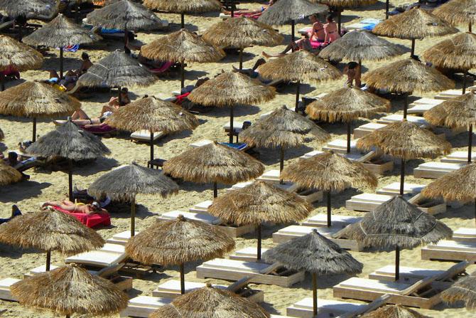 Πλατύς & Μακρύς Γιαλός, Παραλίες, wondergreece.gr