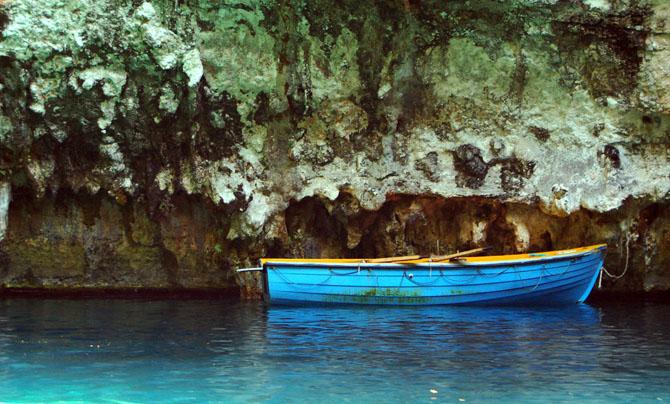 Λιμνοσπηλιά της Μελισσάνης, Λίμνες, wondergreece.gr