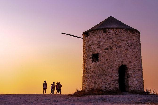 Windmills in Gira, Monuments & sights, wondergreece.gr