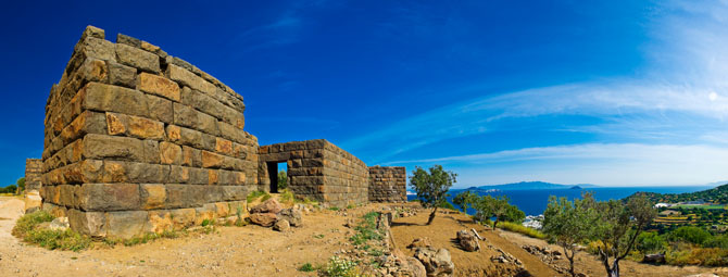 Paleokastro, Castles, wondergreece.gr