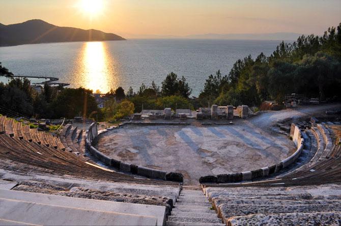 Ancient Theater, Archaelogical sites, wondergreece.gr