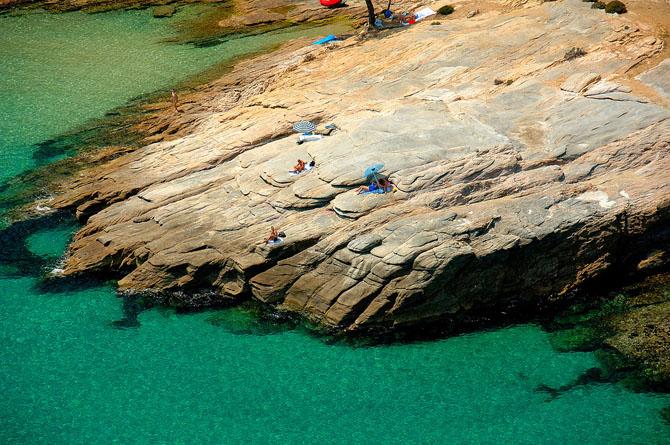 Petra, Beaches, wondergreece.gr