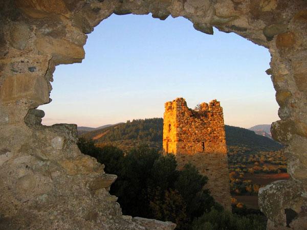 Κάστρο των Γατελούζων, Κάστρα, wondergreece.gr