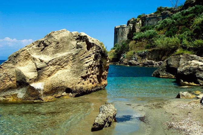 Κορώνη, Παραλίες, wondergreece.gr