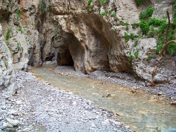 Παλιοροβούνι, Φαράγγια, wondergreece.gr