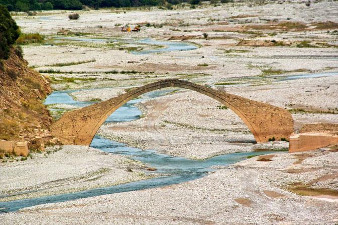Το γεφύρι του Μανώλη, Μνημεία & Αξιοθέατα, wondergreece.gr