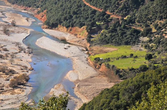 Ταυρωπός (Μέγδοβας), Ποτάμια, wondergreece.gr