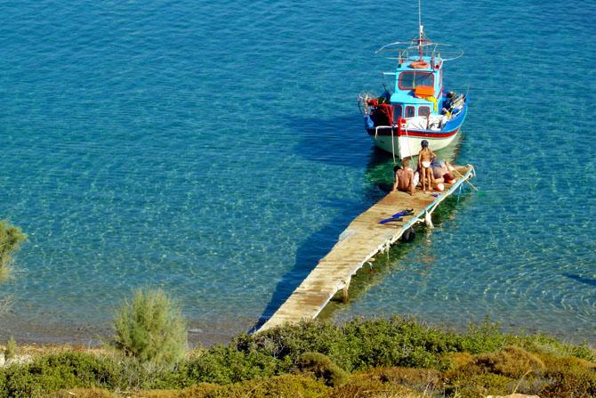 Livadi Geranou, Beaches, wondergreece.gr