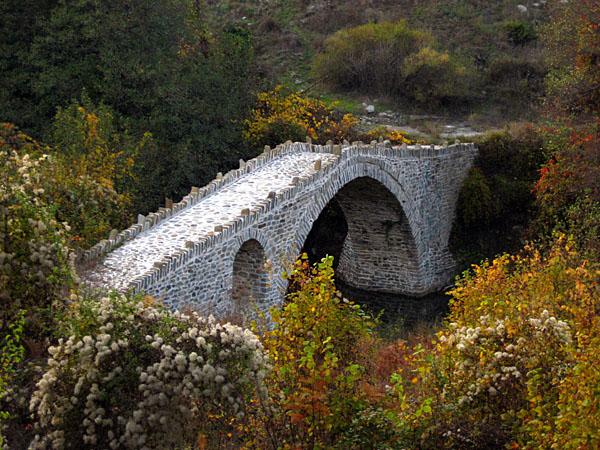 Stampeki (Kranias) Bridge , Monuments & sights, wondergreece.gr