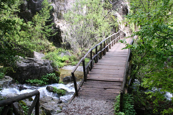 Ενιπέας, Ποτάμια, wondergreece.gr