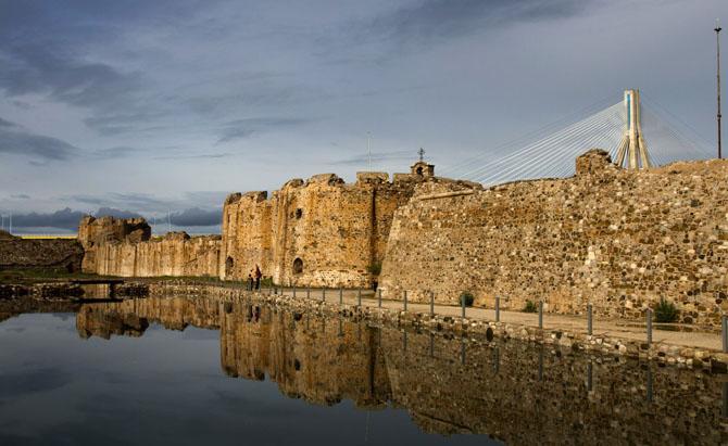 Κάστρο Αντιρρίου, Κάστρα, wondergreece.gr