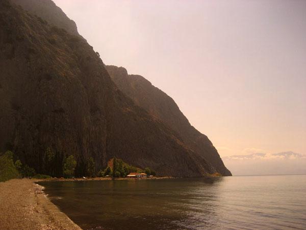 Κρυονέρι , Παραλίες, wondergreece.gr