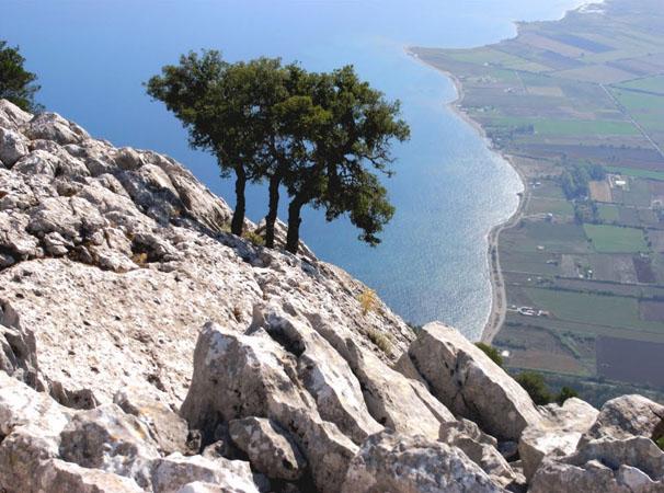 Βαράσοβα, Βουνά, wondergreece.gr