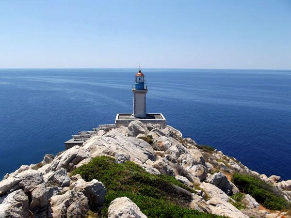 Φάρος (Ακρωτήριο Ταίναρο), Μνημεία & Αξιοθέατα, wondergreece.gr