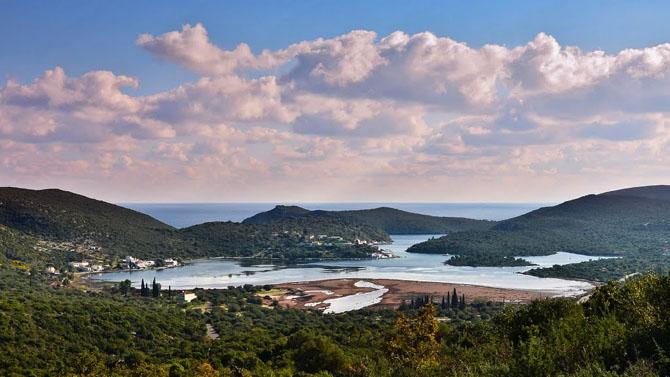 Λιμνοθάλασσα Γέρακα, Λίμνες, wondergreece.gr