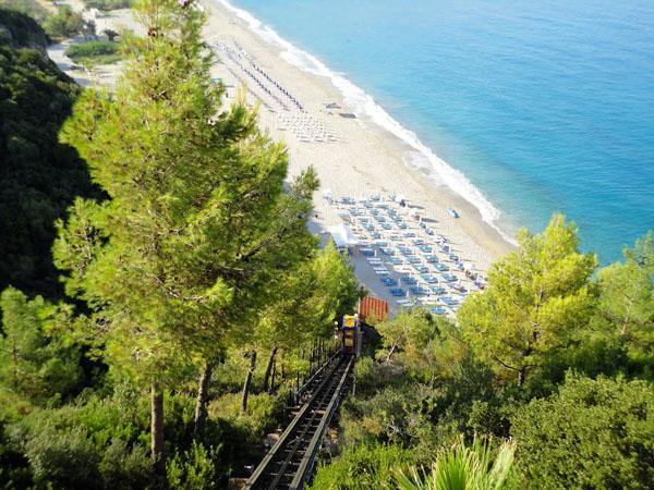 Καραβοστάσι, Παραλίες, wondergreece.gr