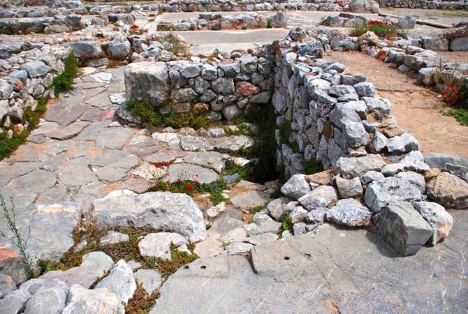Αρχαία Τίρυνθα, Αρχαιολογικοί Χώροι, wondergreece.gr