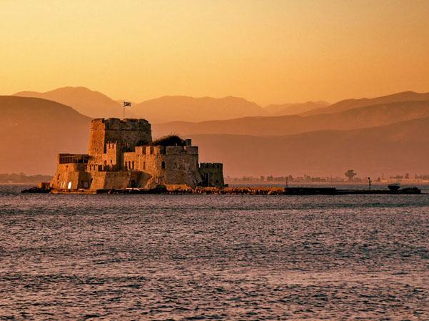 Μπούρτζι, Κάστρα, wondergreece.gr
