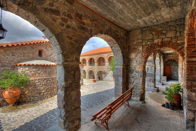 Pamegiston Taxiarchon Monastery (Monastery Pithariou), Churches & Monasteries, wondergreece.gr