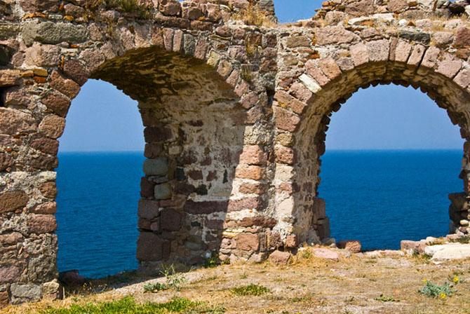 Mytilene castle, Castles, wondergreece.gr