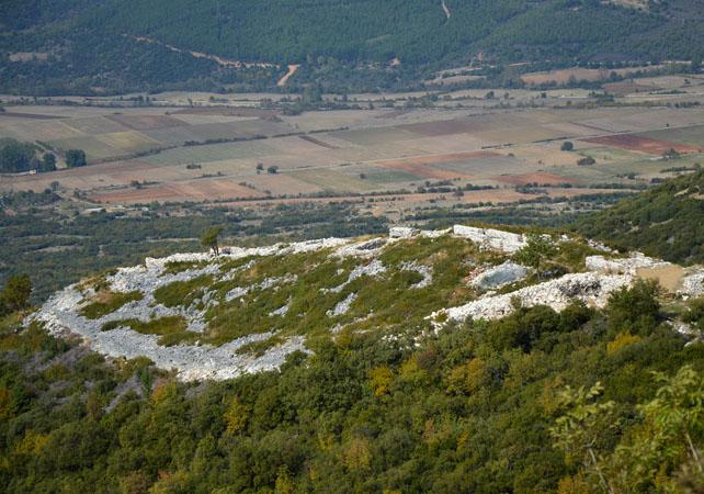 Acropolis of Platania, Archaelogical sites, wondergreece.gr