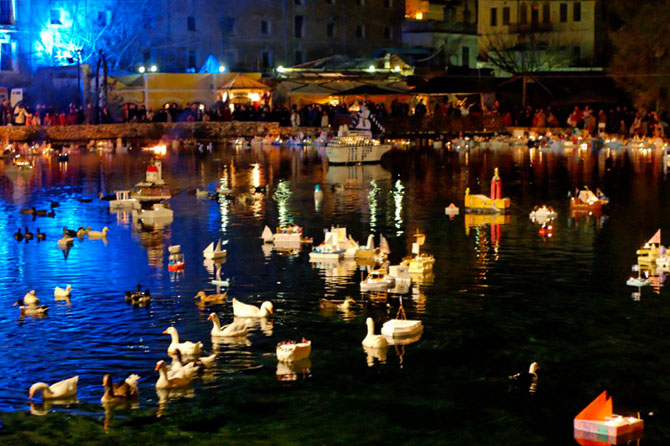 The custom of the boats of Agia Varvara, Traditional events & Festivals , wondergreece.gr