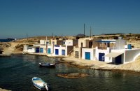 Άγιος Κωνσταντίνος, Μήλος, wondergreece.gr