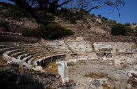 Ancient Roman Theater, Milos, wondergreece.gr