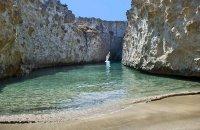 Papafragas, Milos, wondergreece.gr