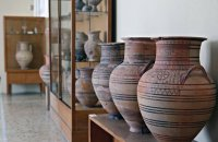 Thira Archaeological Museum, Santorini, wondergreece.gr