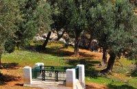 Ο τάφος του Μπρουκ , Σκύρος, wondergreece.gr