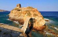 Venetian castle (Lower Castle) , Andros, wondergreece.gr